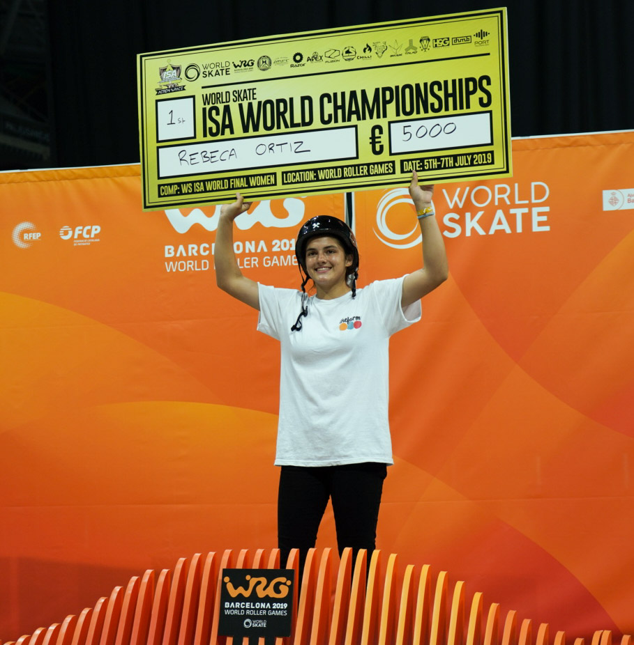 Beca Ortis ISA World Scooter Champion